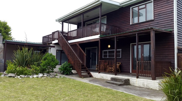 Captain's Cabin, situated in Sandbaai, Hermanus, is a self catering, double storey house, that comfortably sleeps 7 to 8 persons.