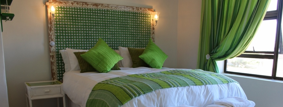 Guest House Accommodation, Hermanus, Sandbaai, Bed and Breakfast